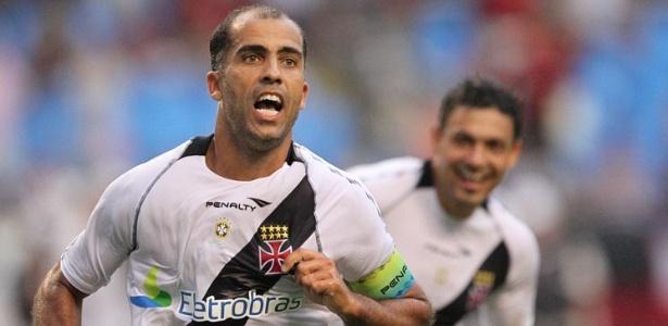 Felipe comemora um gol pelo Vasco: meia está oficialmente fora de São Januário