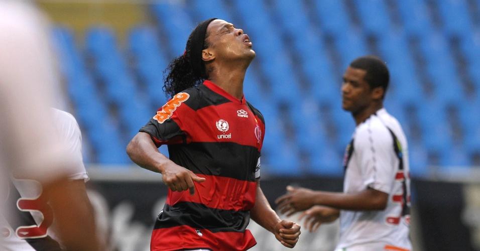 Ronaldinho Gaúcho lamenta chance perdida no segundo tempo