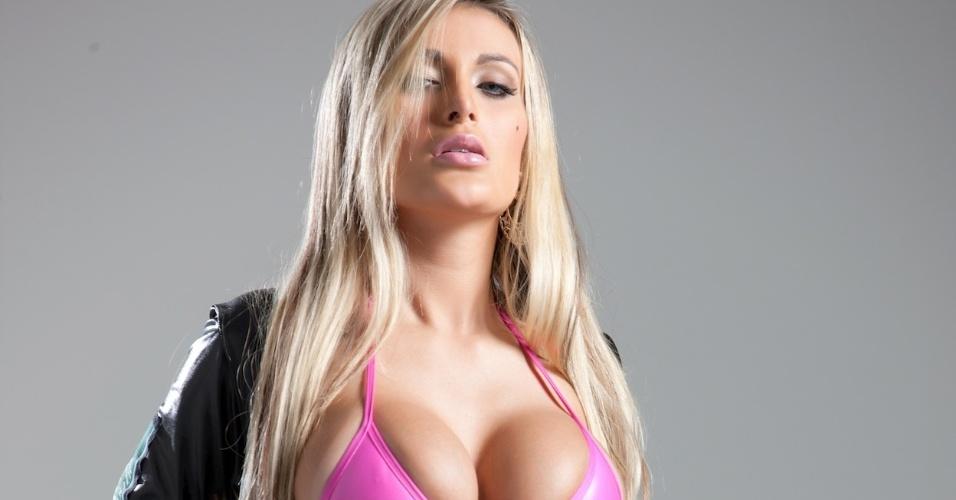 Andressa Urach, dançarina do Latino, está no concurso que escolherá a Gata da Fórmula Indy no Brasil