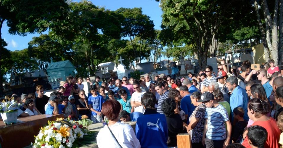 Corpo do ator Tiago Klimeck,27, foi velado e enterrado