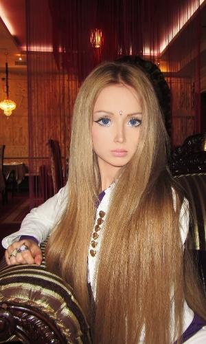 http://imguol.com/2012/04/23/modelo-russa-quer-ser-a-barbie-da-vida-real-1335201386546_300x500.jpg