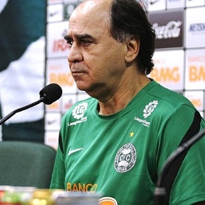Técnico Marcelo Oliveira, do Coritiba, em entrevista coletiva (22/04/2012)