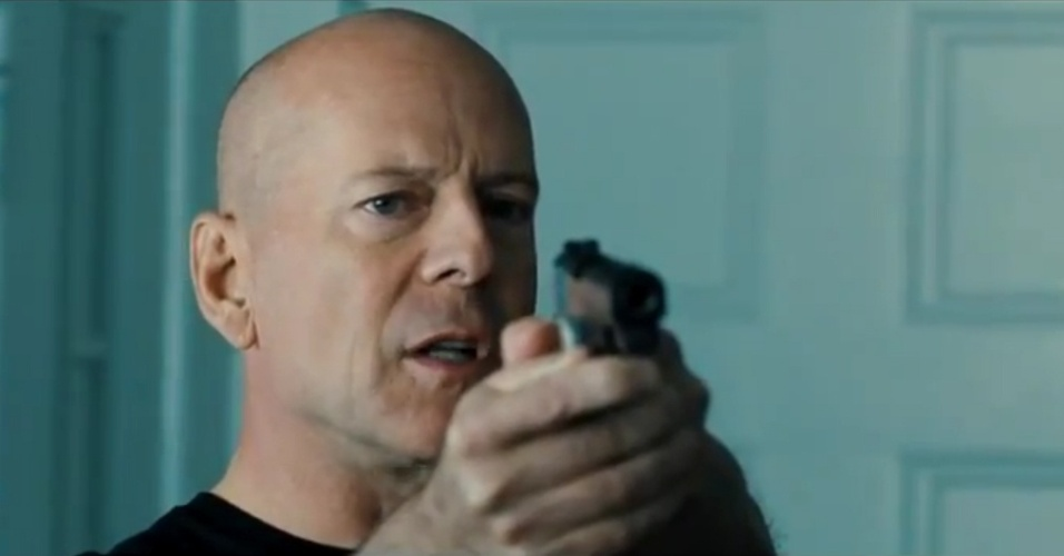 Bruce Willis em cena do trailer de