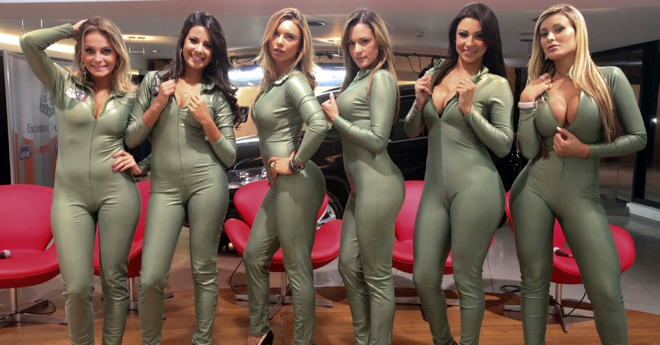 Candidatas a gata da Fórmula Indy posam para foto