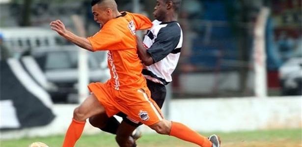Com o empate, o União do Peri (laranja) se classificou e o Jardim Brasil (preto e branco) está eliminado