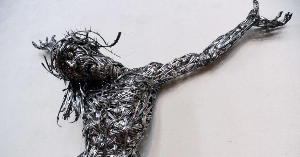 """Escultura intitulado """"Decor"""" do artista argelino AdelAbdessemed na capela do museu Unterlinden na cidade de Colmar"""