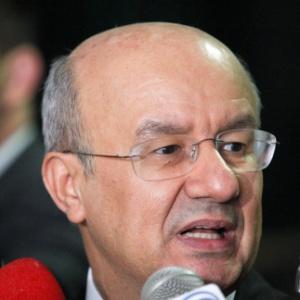 """""""Chamamos de faixa de isenção. Estamos conversando"""", afirmou o líder do governo no Congresso, José Pimentel (PT-CE)"""