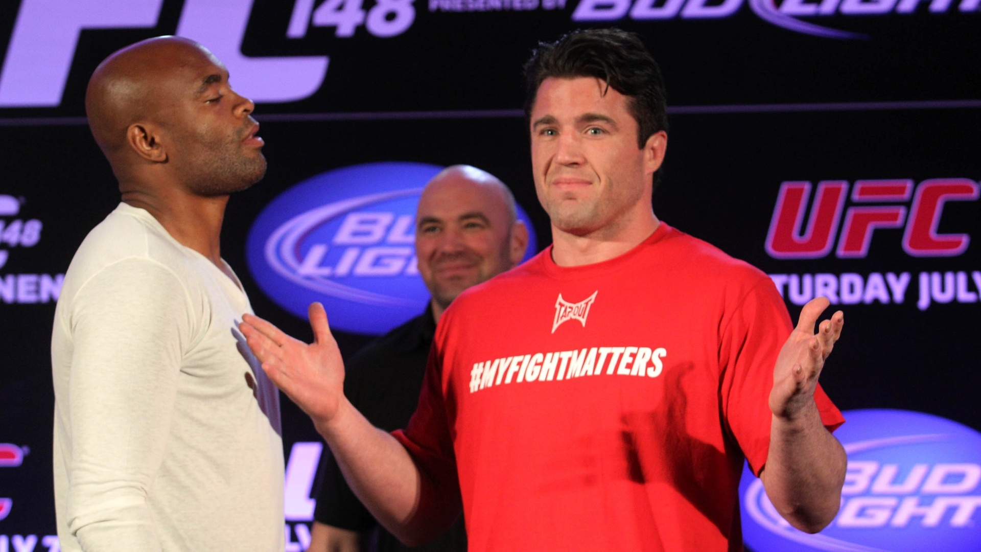 Sonnen ironiza Anderson Silva durante coletiva entre os dois no Rio de Janeiro