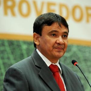 Wellington Dias (PT-PI), ex-governador do Piauí, exerce primeiro mandato de senador