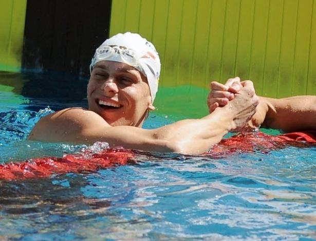 Cesar Cielo e Nicholas Santos se cumprimentam após eliminatória dos 50 m livre do Maria Lenk