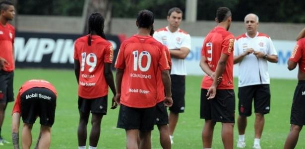 Flamengo treina no Ninho do Urubu na manhã desta quarta-feira (25/04/2012)