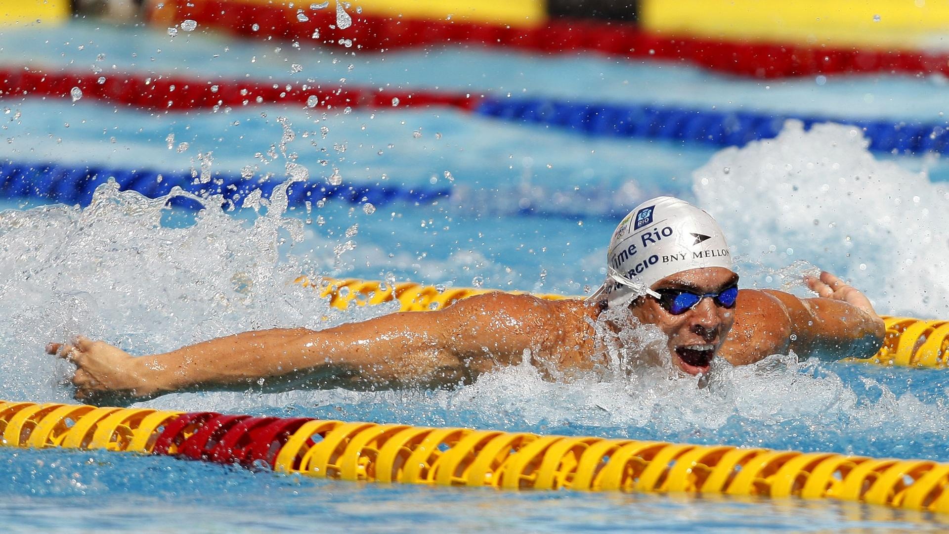 Kaio Márcio, no nado borboleta, disputa eliminatória do Troféu Maria Lenk