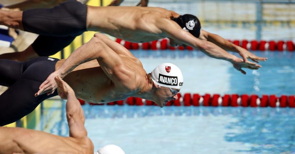 Recordista mundial dos 50 m livre, Cielo mergulha em eliminatória da prova para avançar em segundo