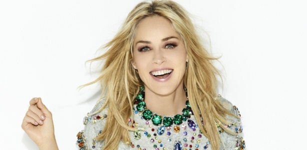 Sharon Stone é capa da Vogue de maio