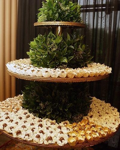 25.abr.2012 - Espaço com decoração feita por Lídia Freixo (www.lidiafreixo.com.br) e doces de Carol Melo (www.carolmelo.com.br) no 3º Bride Style