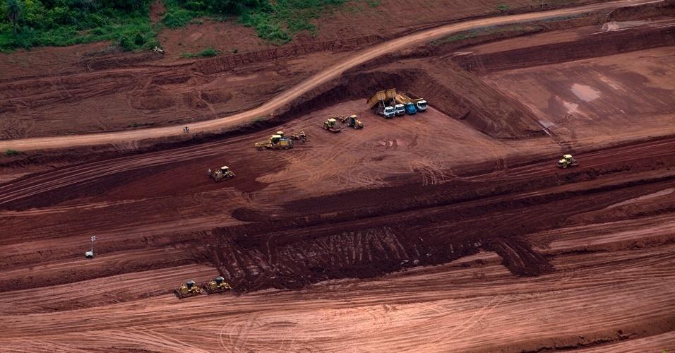 Greenpeace sobrevooa canteiros das obras de Belo Monte - 12