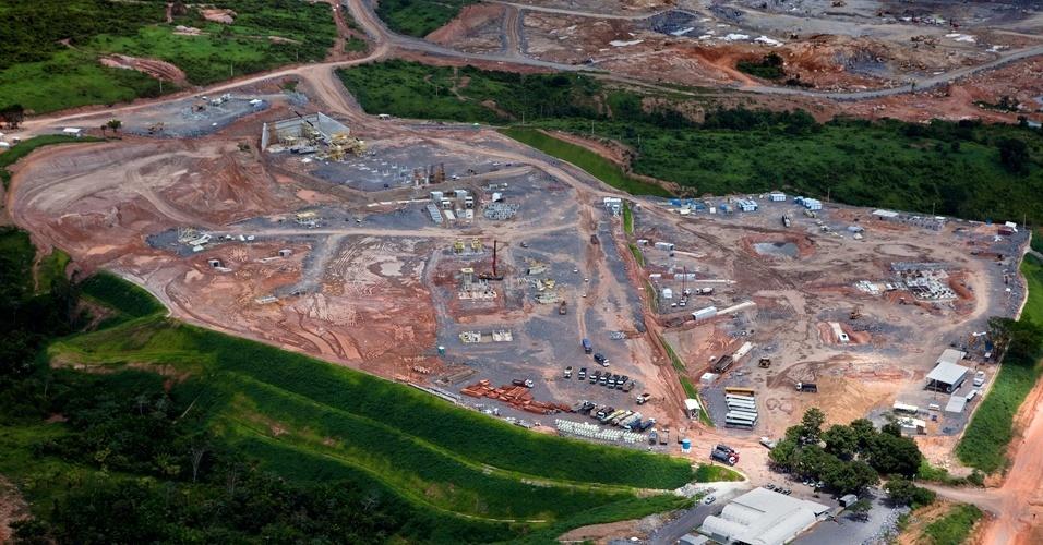 Greenpeace sobrevooa canteiros das obras de Belo Monte - 7
