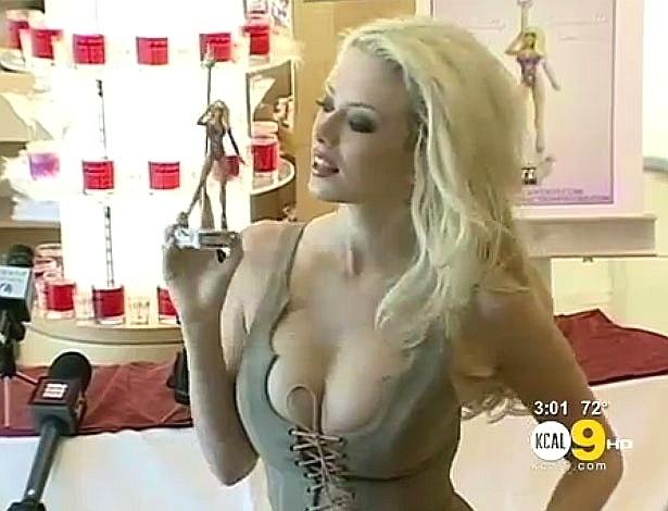 Na verdade, prefeito de Simi Valley quer expulsar produtoras pornôs da cidade