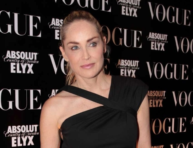 Sharon Stone na festa de anivers&#225;rio da revista &#34;Vogue&#34; Brasil, na Casa Petra, no Ibirapuera em S&#227;o Paulo (25/4/12)