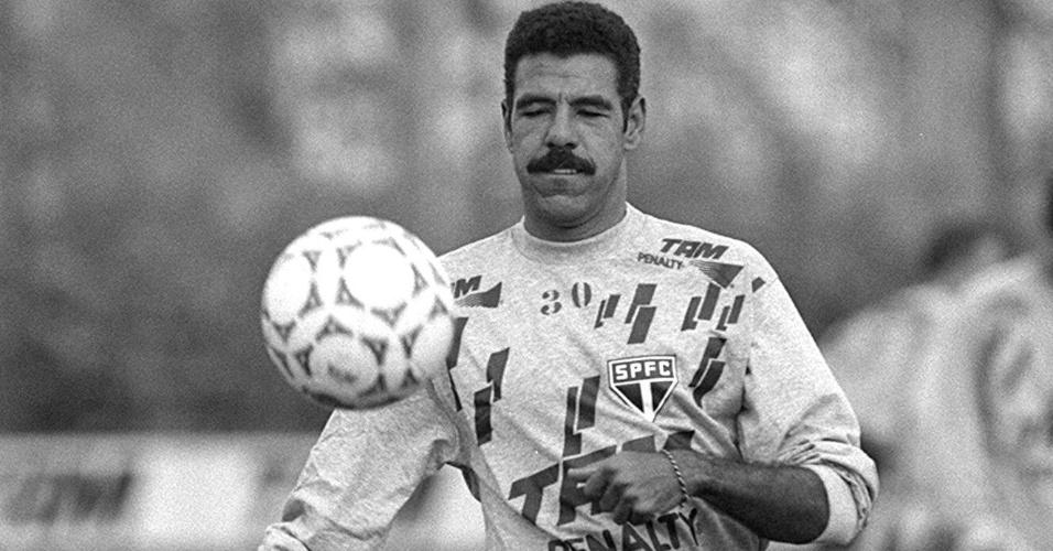 Toninho Cerezo, ex-jogador com passagens marcantes por São Paulo, Atlético-MG e seleção brasileira
