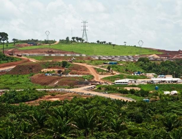 27.abr.2012 - Foto mostra local em que está sendo construído um canteiro do Sítio Belo Monte para equipes que trabalharão na construção da usina hidrelétrica de Belo Monte, no rio Xingu, no Pará