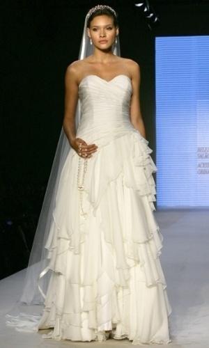 Desfile Bia Wong no Bride Style 2012