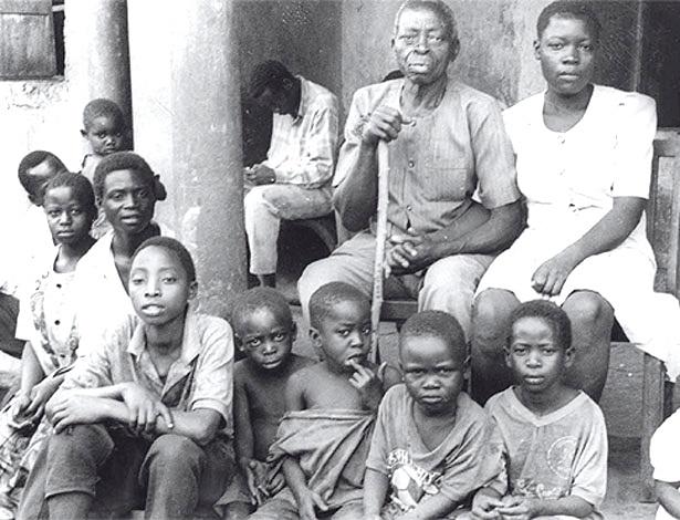 Jack Kigongo teve esse monte de filhos sem precisar tomar nenhum comprimido azul