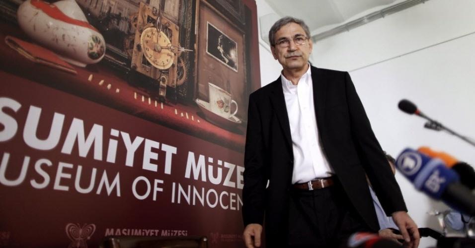 Orhan Pamuk inaugura Museu da Inocência, em Intambul (27/04/12)