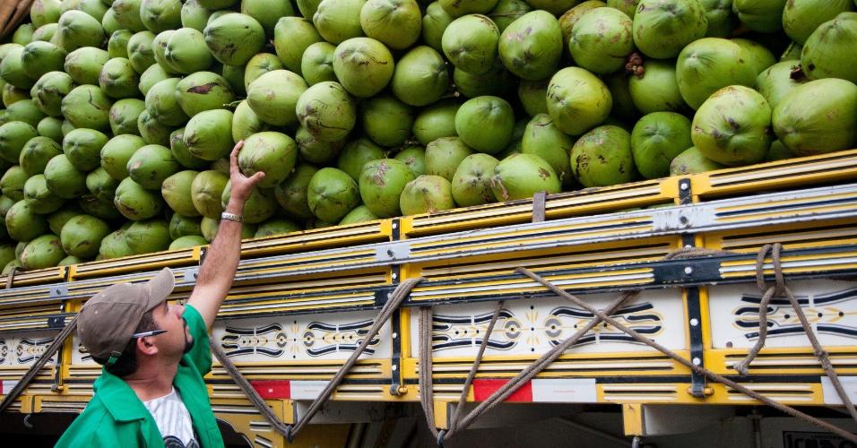 Vendedor de coco verde em São Paulo