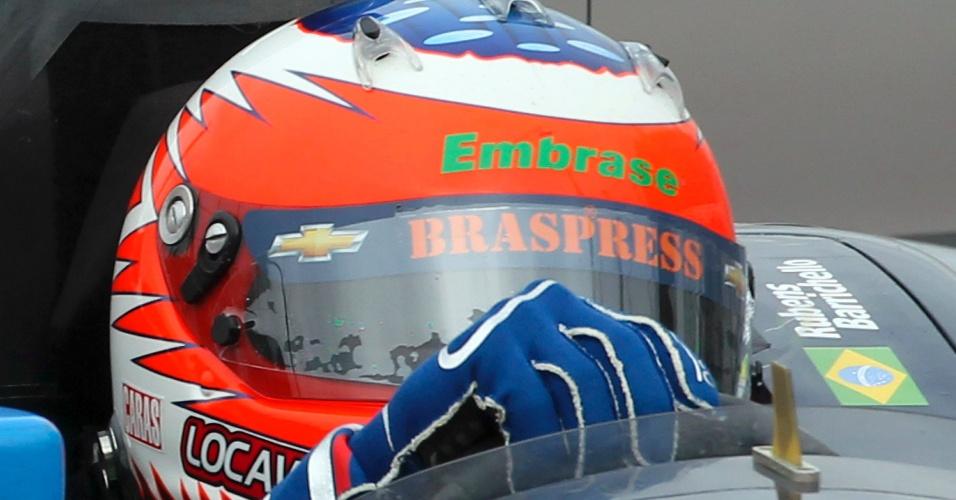 Rubens Barrichello acelera pelo circuito montado no Anhembi