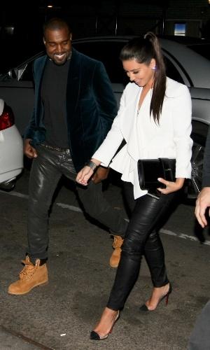 Kim Kardashian e Kanye West passam o dia juntos em Nova York (28/4/12)