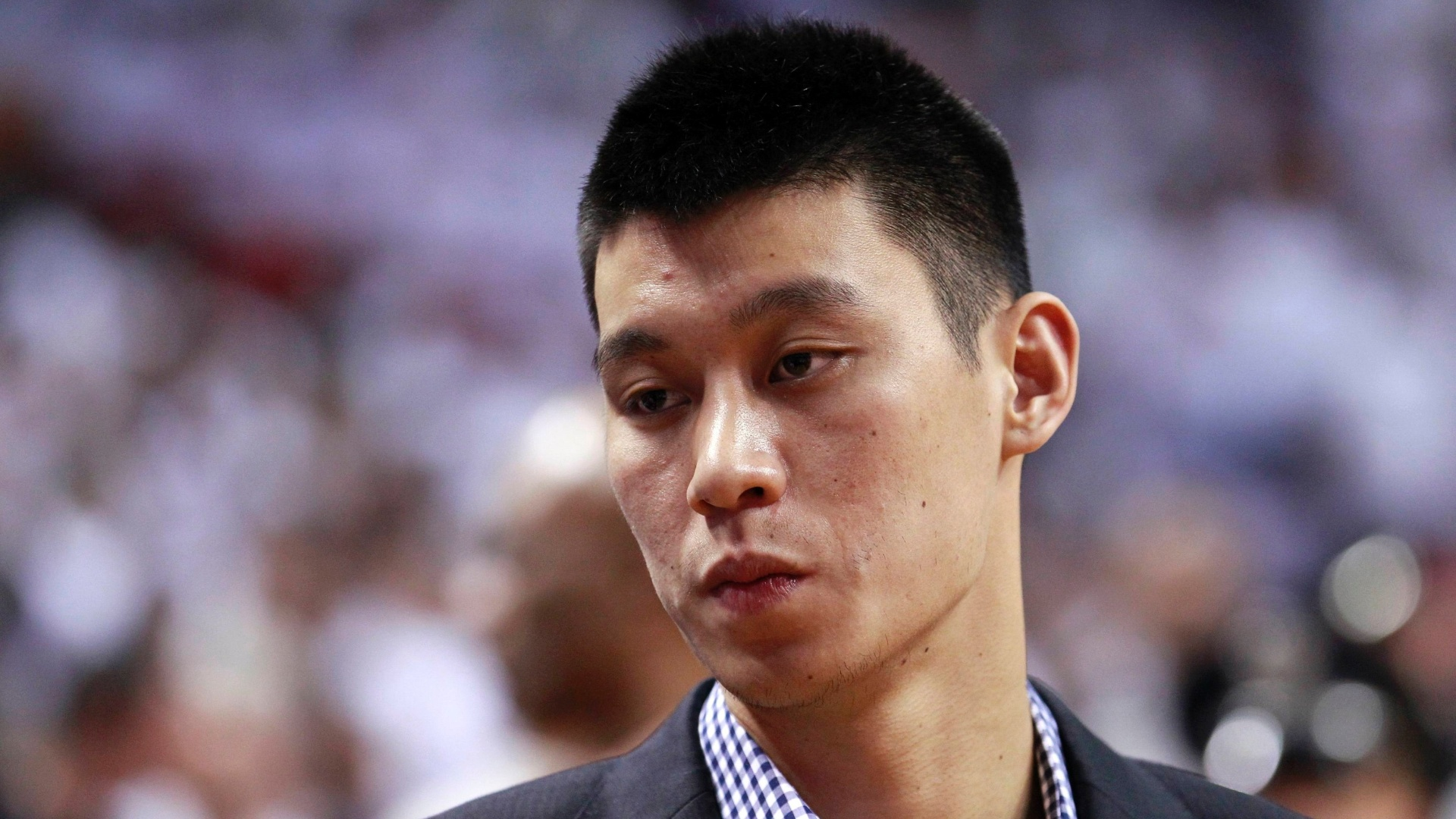 Machucado, Jeremy Lin foi ver o New York Knicks enfrentar o Miami Heat