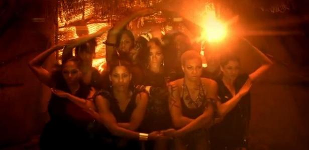 Rihanna em cena do clipe Where Have You Been (30/4/12)
