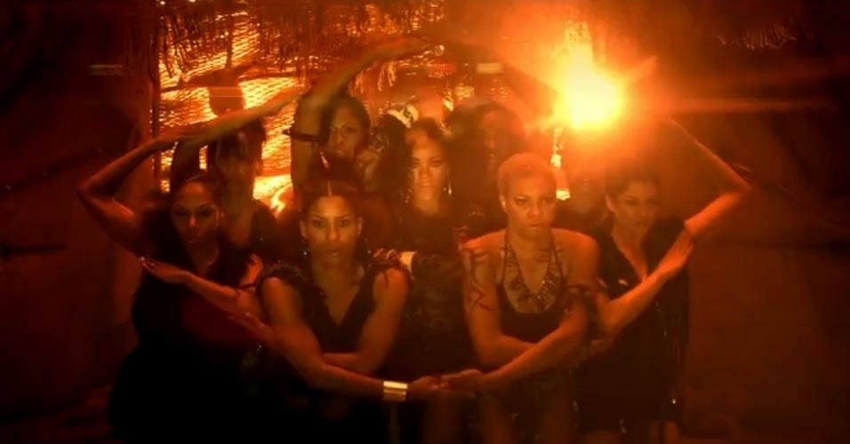 Rihanna em cena do clipe 