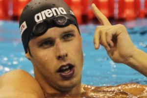Alexander Dale Oen após a vitória no Mundial do ano passado; norueguês falava em competir até 2016