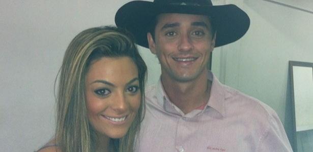 Ex-BBBs Monique e Fael se encontram em evento em Minas Gerais (1/5/2012)
