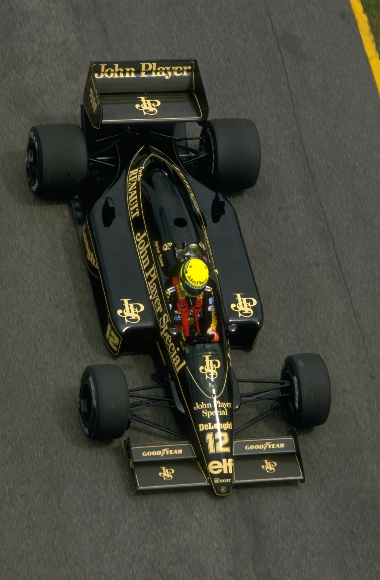 GP da Espanha de 1986: Na Lotus, Senna segurou Nigel Mansell, da Williams, e venceu por apenas 0.014s de vantagem