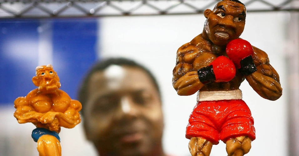 Miniaturas de boxeadores na Fitness Brasil 2012