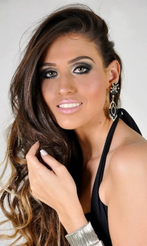 Rayla de Lacoleta, 22, de Alto Floresta, candidata do Miss Mundo Mato Grosso 2013