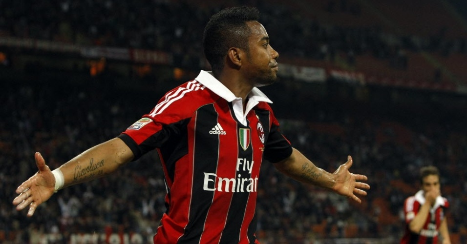Robinho marcou o segundo gol do Milan na vitria por 2 a 0 sobre a Atalanta