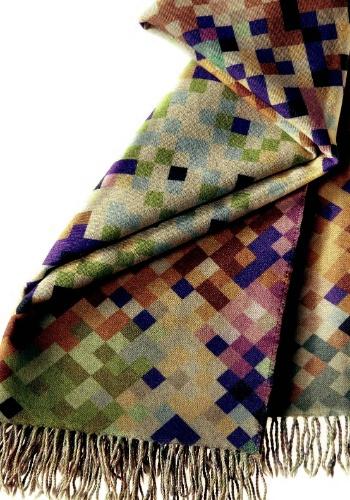 A manta Lisbona, de origem italiana, é 100% em lã e mede 1,30 x 1,90 m. Por R$ 3.040, na Missoni Home (www.missonihome.com)