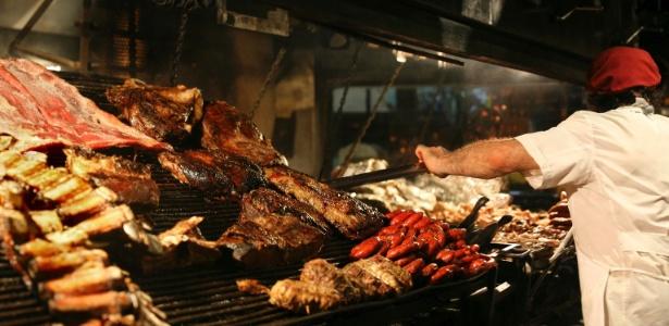 Pessoas que comem carne vermelha regularmente devem consumir menos de 500g por semana