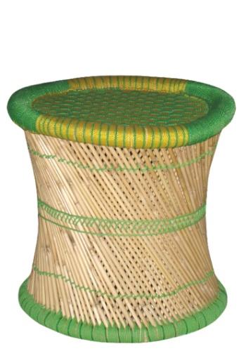 De R$ 100 a R$ 300 | Na Ishela (www.ishela.com), o banco de palha colorido com acabamento trançado, por R$ 138