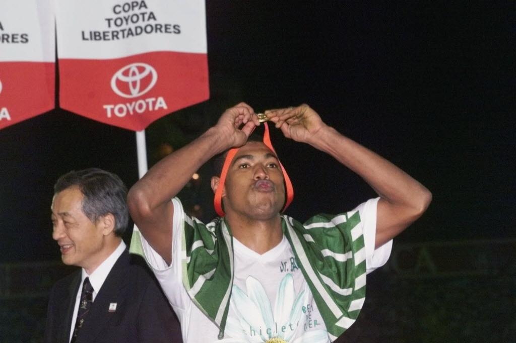 Júnior Baiano celebra título da Libertadores com o Palmeiras