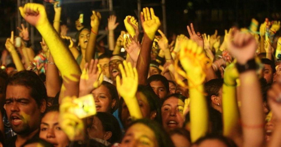 Cerca de 20 mil pessoas acompanham show de Luan Santana no Viradão Carioca, no Rio de Janeiro (4/5/2012)