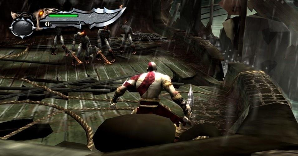 """Depois de dez anos servindo aos deuses do Olimpo, """"God of War"""" (PS2, 2005) começa, num navio em meio a uma tempestade, com um trabalho de Kratos para Poseidon, o deus do mar, conhecido como Netuno pelos romanos"""