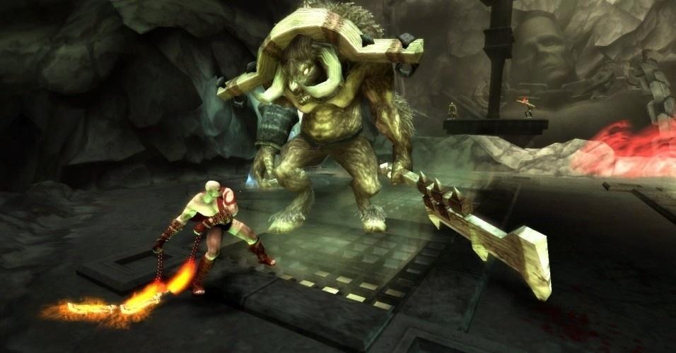 Em sua jornada, Kratos enfrenta criaturas ferozes, como o minotauro, e encontra Perséfone, mulher de Hades. Ela diz que pode promover um reencontro com Calíope se Kratos renunciar seus poderes