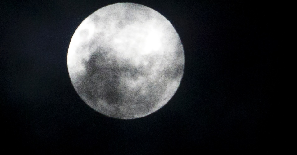 5.mai.2012 - Superlua em S&#227;o Paulo