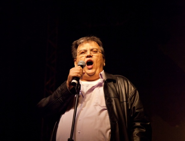 M&#225;rcio Ribeiro se apresenta no palco de Stand Up Comedy da Pra&#231;a da S&#233; neste s&#225;bado &#40;5/5/2012&#41;