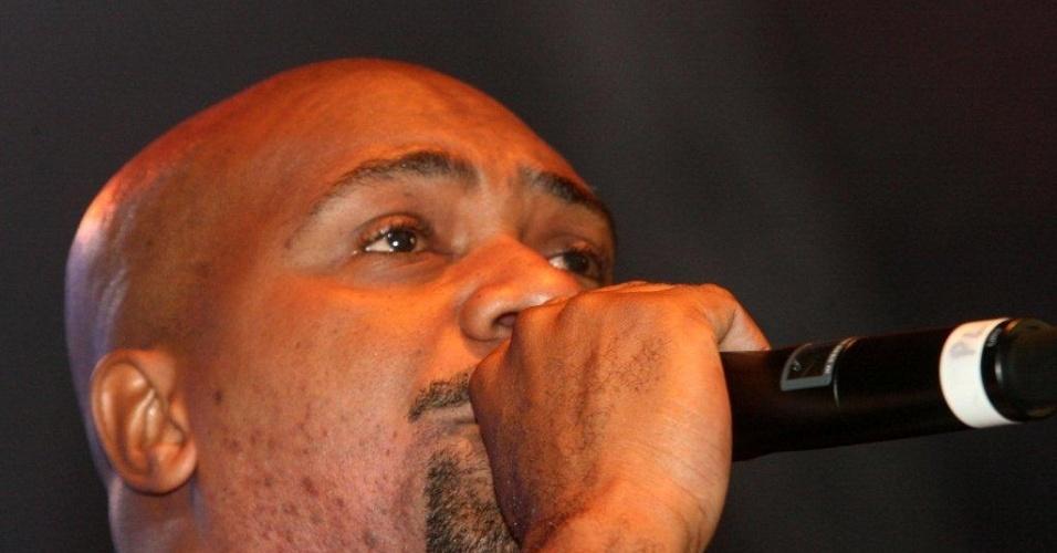 Rapper MV Bill se apresenta no Palco Bangu do Viradão Carioca na noite de sexta. (4/5/2012)